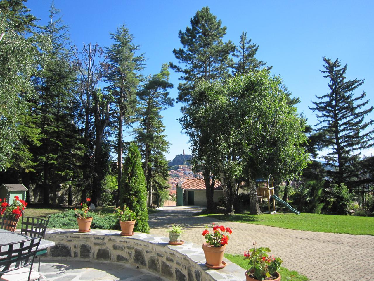 Vue sur la ville du Puy depuis la maison