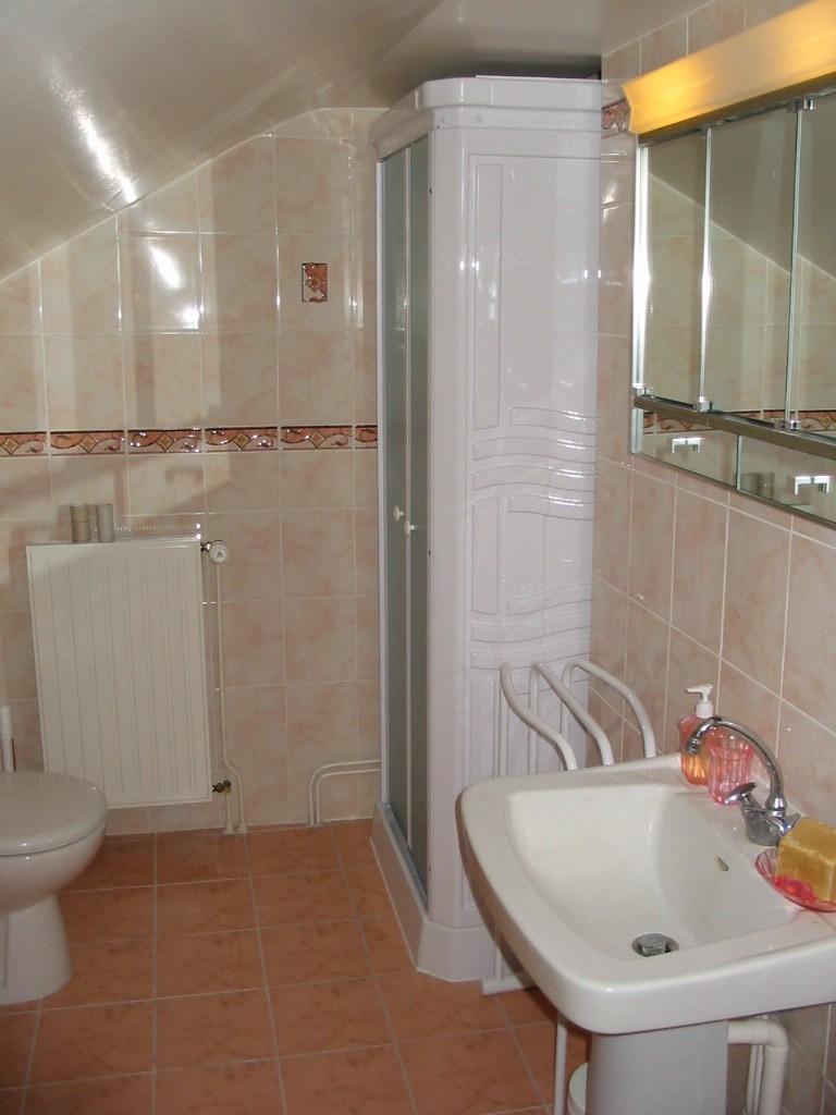 Deuxième étage- Cabinet à toilette