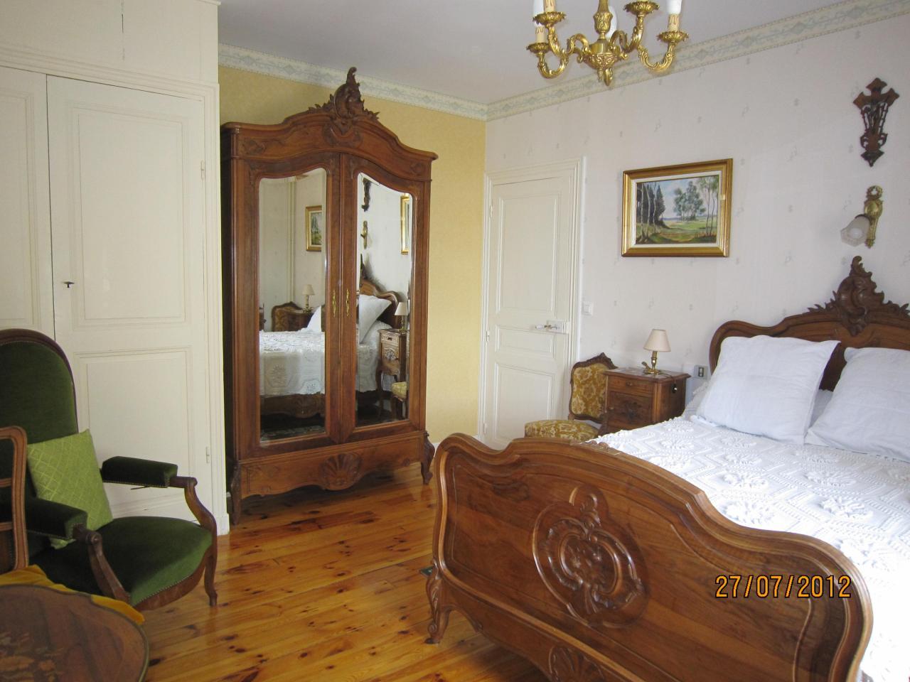 Autre  vue chambre Louis XV